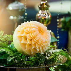 carving cantaloupe flower.