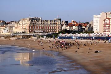 surf games in biarritz