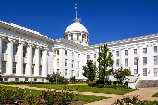 """The Alabama State Capitol Building on """"Goat Hill"""" in Montontgomery"""