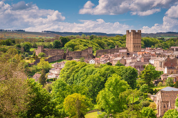 Richmond Castle Skyline / The market town of Richmond is sited at the very edge of the North Yorkshire Dales, on the banks of River Swale