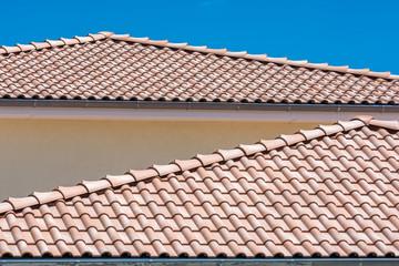 Mediterrane Art das Dach zu decken
