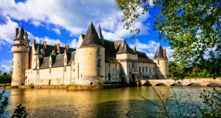 Romantic medieval castles of Loire valley - fairytale Le Plessis Bourre. France Fototapete