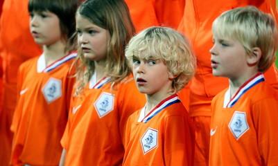 Holland v Paraguay International Friendly