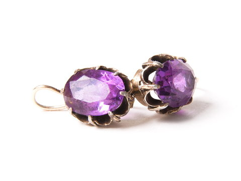 Vintage earrings with alexandrite stone