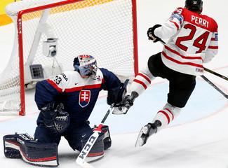 Ice Hockey - 2016 IIHF World Championship Group B