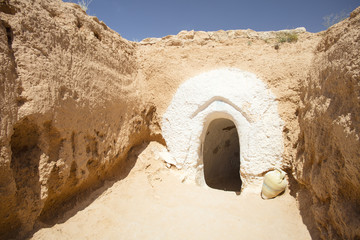enter to cave city in Tunisia