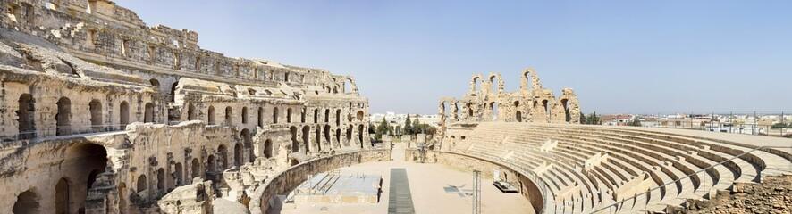 Poster de jardin Tunisie wide angle panorama inside old amphitheater in Tunisia