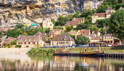 La Roque-Gageac sur les bords de la Dordogne