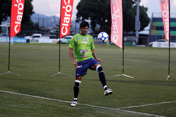 "Uruguayan soccer player Sebastian ""El Loco"" Abreu plays with the ball during his presentation with new club Santa Tecla F.C. in Santa Tecla, El Salvador"