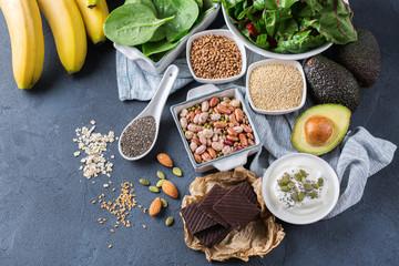 Photo sur Aluminium Assortiment Assortment of healthy high magnesium sources food