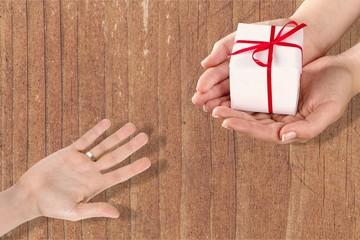 Give gift box.
