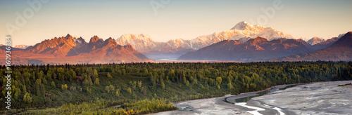Wall mural Denali Range Mt McKinley Alaska North America