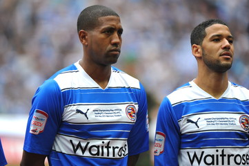 (L-R) Mikele Leigertwood and Jobi McAnuff - Reading lineup before the game
