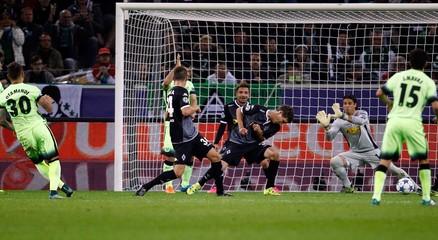 Manchester City's Nicolas Otamendi scores during their Champions league Group D match against Borussia Moenchengladbach in Moenchengladbach