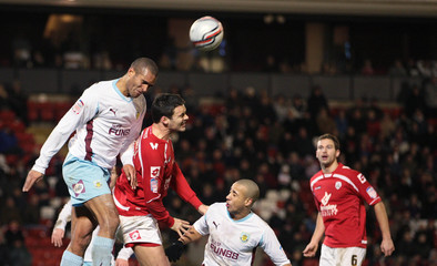 Barnsley v Burnley npower Football League Championship