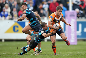 Castleford Tigers v Leeds Rhinos - First Utility Super League