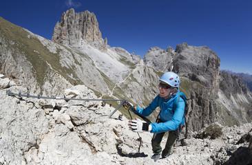Klettersteigset Frauen : Bilder und videos suchen klettersteigset