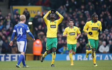 Norwich City v Everton - Barclays Premier League