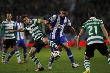 Football Soccer - Sporting v Porto - Portuguese Premier League