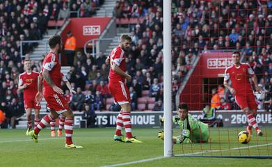 Southampton v Tottenham Hotspur - Barclays Premier League