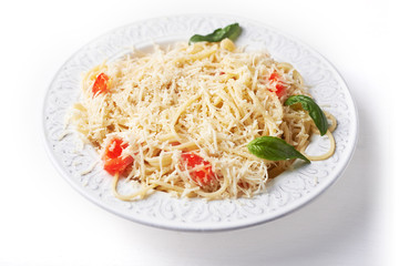 spaghetti with cheese and tomatoes