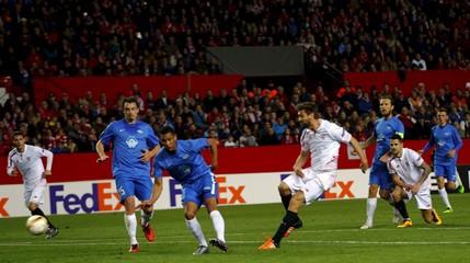 Sevilla v Molde