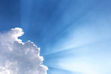 Himmel, Wolken, Sonnenstrahlen