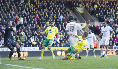 Norwich City v Swansea City - Barclays Premier League