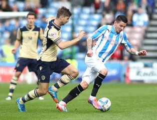 Huddersfield Town v Leeds United - Sky Bet Football League Championship