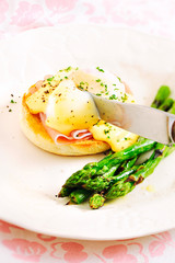 Egg Benedict Sandwich with Grilled Asparagus
