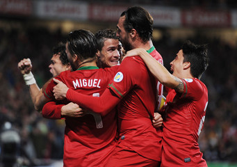 Portugal v Sweden - 2014 World Cup Qualifying European Zone Play-Off First Leg