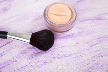 make up brush with powder