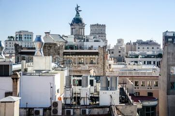 Blick über die Hausdächer in Barcelona, Spanien