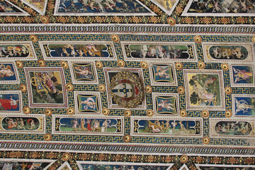 Ceiling frescoes in biblioteca Piccolomini of Siena Cathedral. Duomo, Siena, Tuscany, Italy..