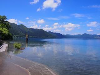 たつこ像と田沢湖