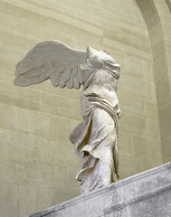 sculpture Nike of Samothrace