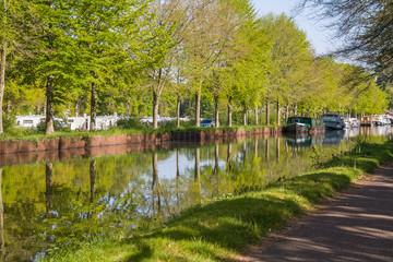 Fotobehang Kanaal Le canal de Nantes à Brest, Malestroit, Morbihan, Bretagne,