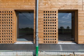 Gebäude mit Holzfassade © Matthias Buehner