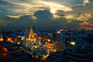 Wat Traimit Witthayaram Worawihan at sunset, Temple of the Golden Buddha in Bangkok, Thailand