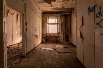 Leer stehendes verfallenes Gebäude