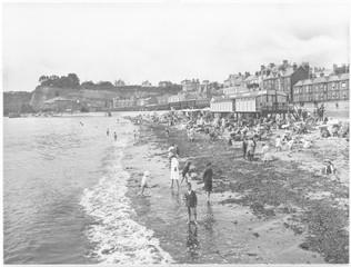 Low tide in Dawlish  Devon. Date: 1922