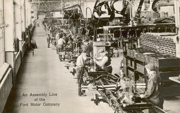 Assembly line for cars  Ford Motor Company  USA. Date: circa 1920s
