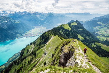 Gratwanderung zwischen Harder und Augstmatthorn, Brienzersee, Interlaken, Schweiz