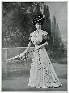 Parisian woman wearing picture hat 1907. Date: 1907