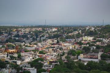 Paisaje urbano de pueblo magico, Peña de Bernal, en Queretaro
