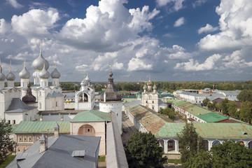 Крыши и купола соборов Ростовского кремля