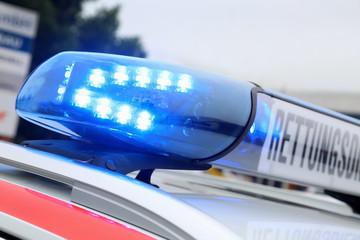 Blaulicht an einem Rettungswagen
