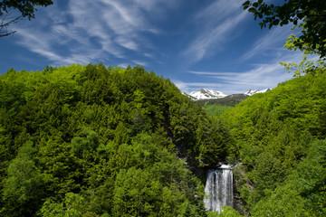 乗鞍高原 善五郎の滝と乗鞍岳