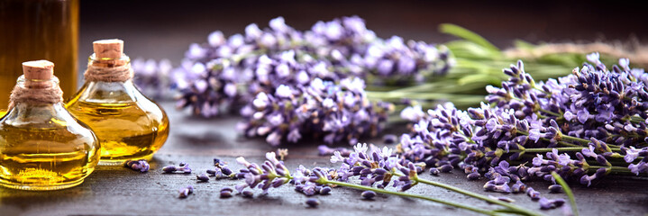 Stores à enrouleur Lavande Panoramic banner of lavender with essential oil