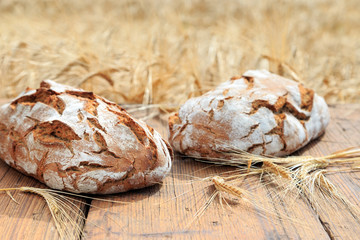 traditionell gebackenes Brot